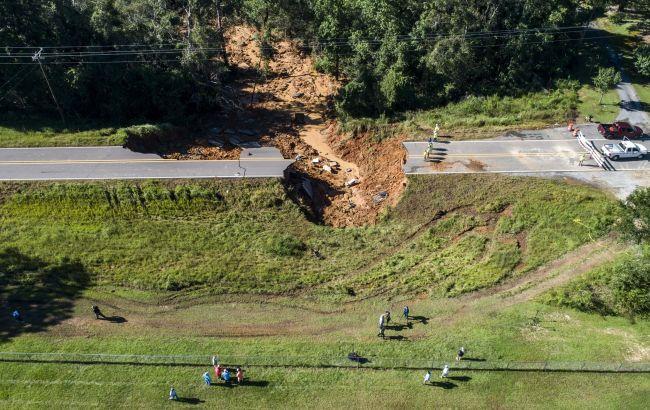 """У Міссісіпі через ураган """"Іда"""" обвалилася дорога, загинули дві людини"""