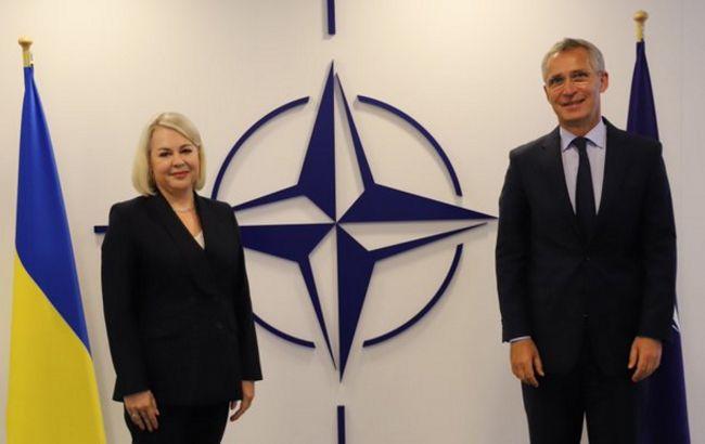 Новая глава миссии Украины при НАТО встретилась со Столтенбергом