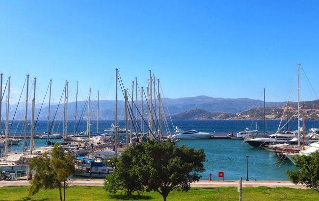 Біля берегів грецького острова потонув човен: 9 людей зникли безвісти