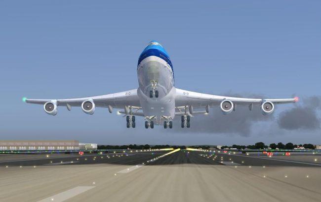 Фото: літак МАУ
