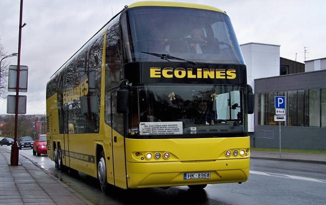 Фото: Водій автобуса піддав небезпеці себе і 20 пасажирів (Ecolines)