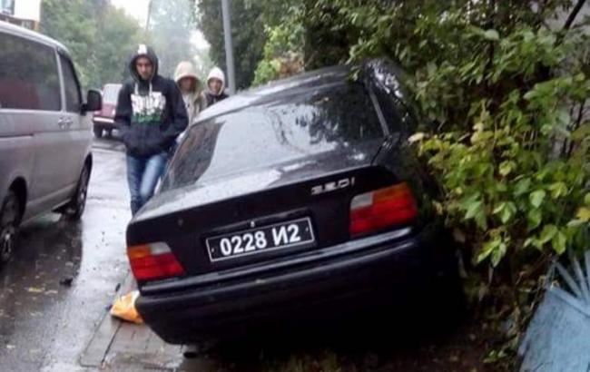 Фото: автомобиль, из которого застрелили мужчину