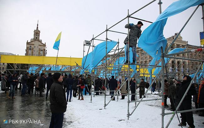 У Києві поліція затримала двох вандалів, котрі нищили конструкції на Майдані