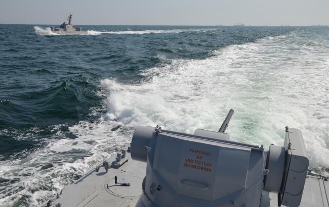 Ще два українські моряки назвали себе військовополоненими
