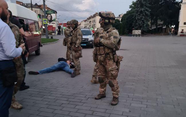 СБУ призначила близько 30 експертиз у справі про захоплення заручників у Луцьку