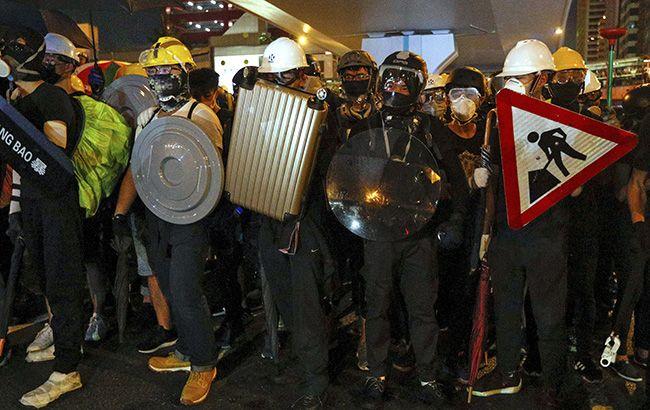 В Гонконге перед акцией протеста арестовали более 10 человек