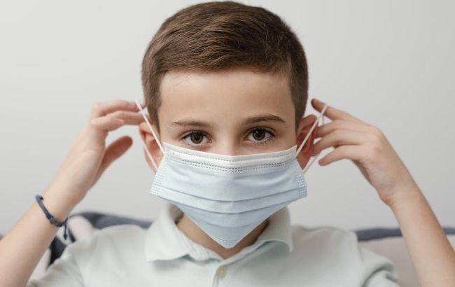 Коронавирус у детей: врач назвала основные симптомы COVID-19
