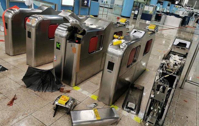Метро в Гонконзі частково відновило роботу