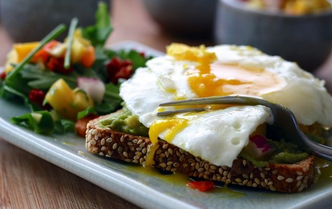 Полезный бутерброд: нутрициолог рассказала, как превратить вредную еду в богатую ценными элементами