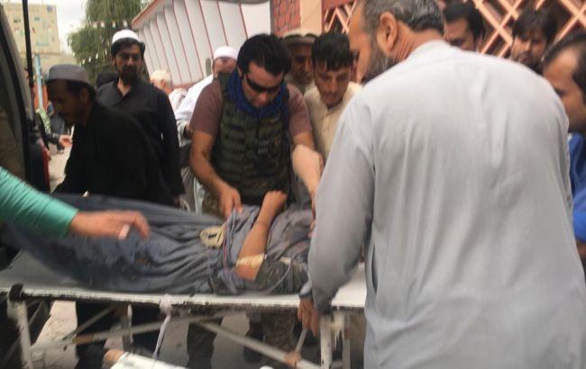 В Афганістані збільшилося число загиблих при вибухах у мечеті