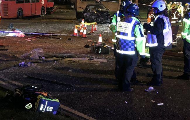 В Лондоні в потрійному ДТП загинула людина і 15 постраждали