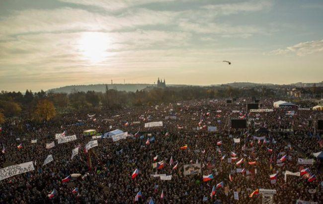 В Праге проходит митинг с требованием отставки премьера Бабиша