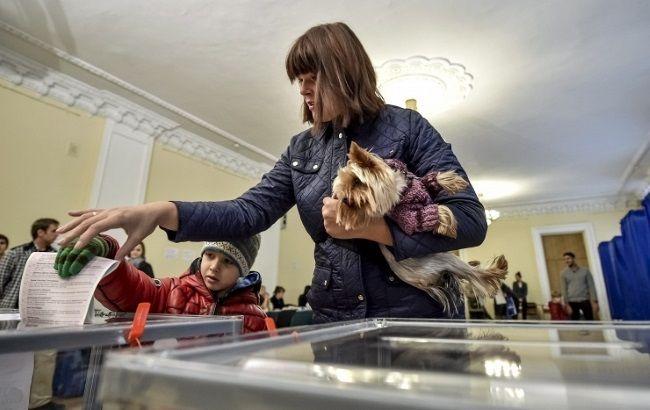 Фото: другий тур виборів в Ужгороді