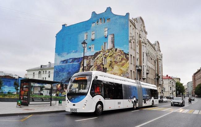 """Фото: троллейбус сдизель-генераторной установкой разработали на """"Белкоммунмаш"""" (пресс-служба """"Мосгортранса"""")"""