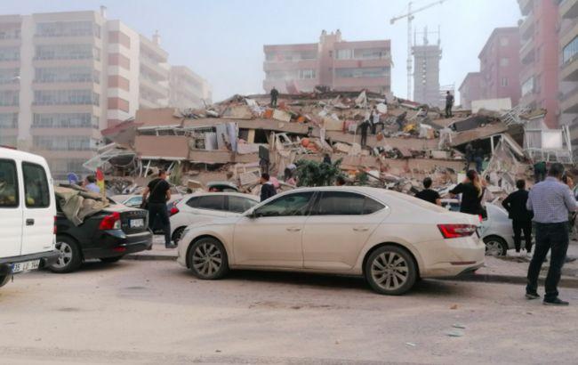 В турецком Измире произошло мощное землетрясение, есть разрушения