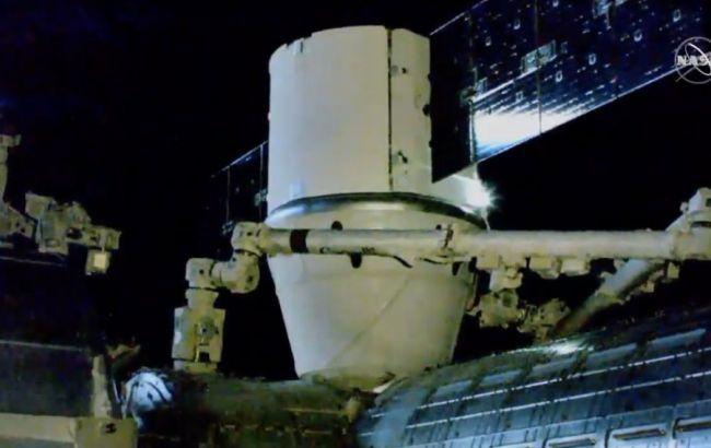 """Американский """"грузовик"""" Cargo Dragon успешно состыковался с МКС"""