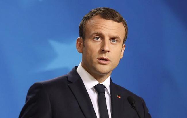 Макрон пообещал восстановить Нотр-Дам де Пари