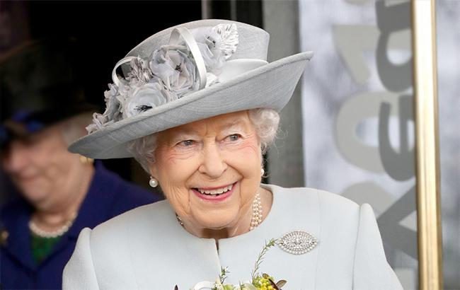 Королева Елизавета II взяла в аренду участок в Киеве