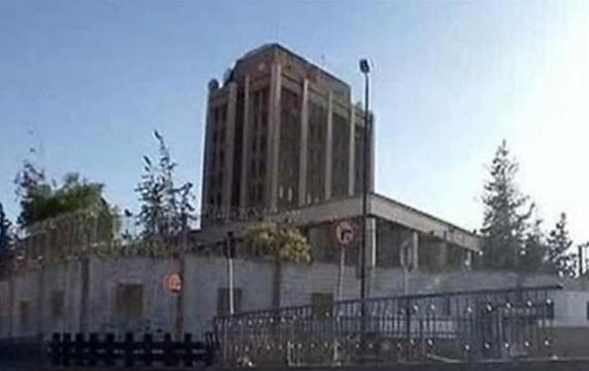 Фото: посольство РФ в Дамаске попало под минометный обстрел (Emb-(twitter.com-presstv.i)