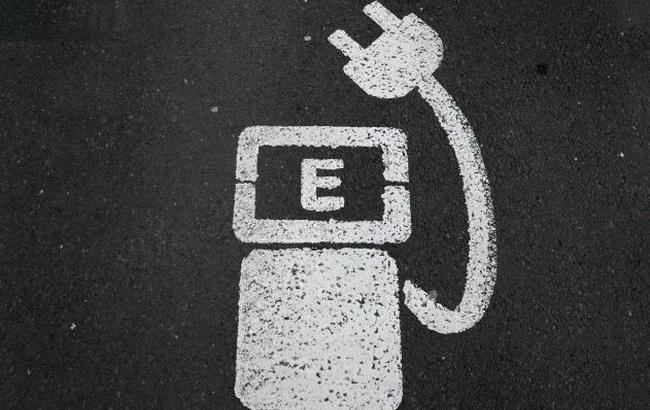 Фото: ринок зарядки електромобілів (Reuters)