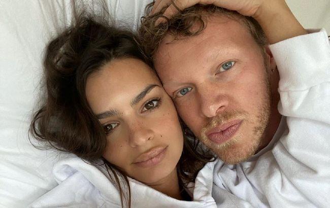 Ідеальна пара: Емілі Ратаковскі знялася у відвертій фотосесії в компанії чоловіка