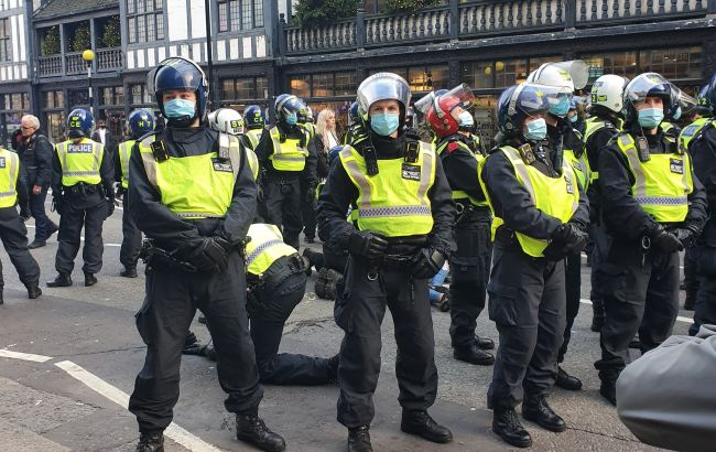 У Лондоні пройшли протести проти карантину, є затримані