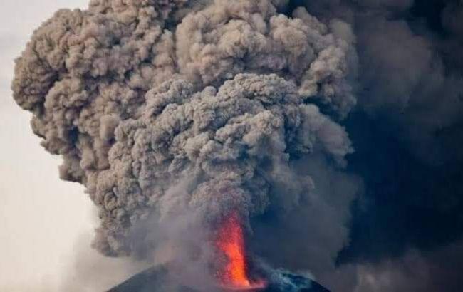 В Индонезии началось извержение самого активного вулкана