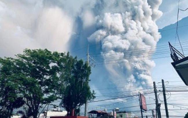 Новое извержение вулкана на Филиппинах: эвакуируют 200 тыс. людей