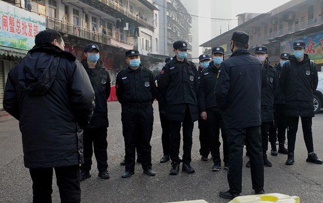 У Китаї невідомим вірусом захворіли понад 60 людей
