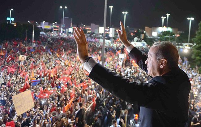Реджеп Эрдоган получил одобрение турецкого народа на изменение основного закона (Фото - http://www.jamesinturkey.com/)