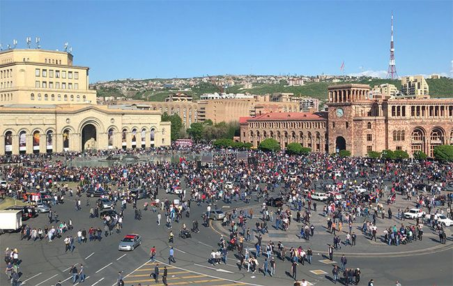 Иллюстративное фото: протесты в Армении (twitter.com/Amie_FR)