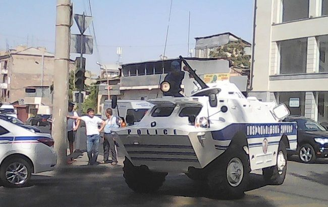 Фото: спецоперация в Ереване