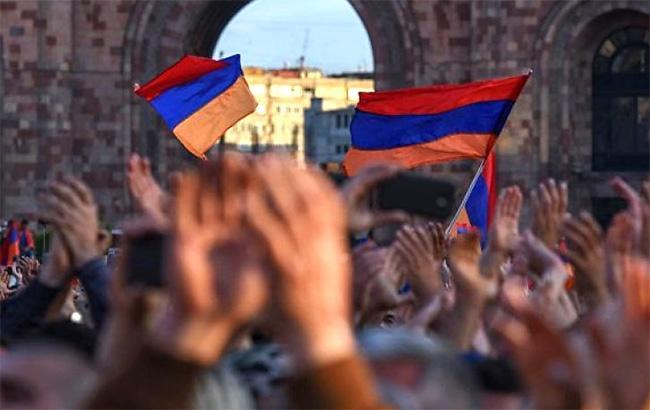 Фото: протесты в Армении (twitter.com/kapital_strany)