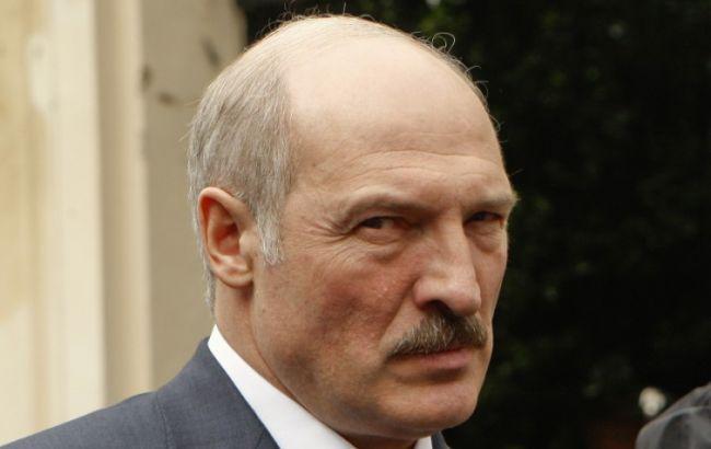 """Лукашенко готовий застосувати армію в разі загрози """"кольорової революції"""" або """"гібридної війни"""""""