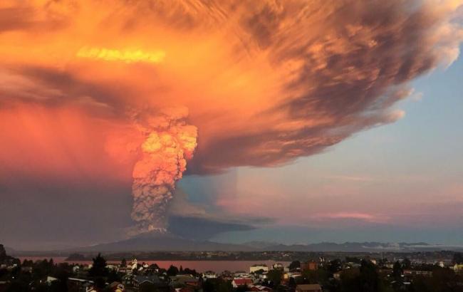 Фото: извержение вулкана Кальбуко в Чили