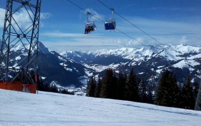 В Швейцарии на горнолыжном курорте сошла лавина. Ищут десять человек