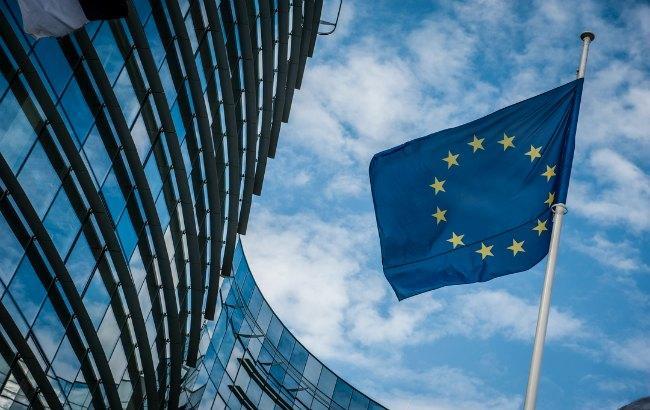ЕС может обязать Google и Facebookплатить издателям за контент