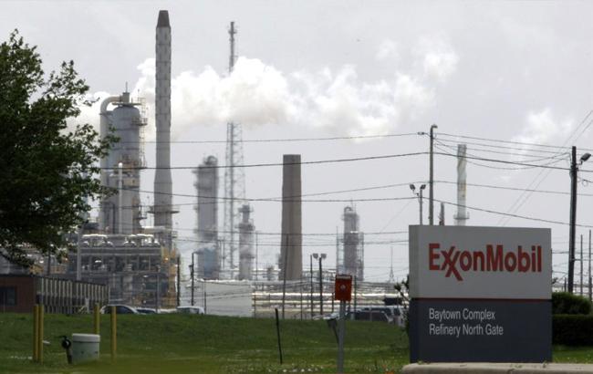 США присудили ExxonMobil крупный штраф занарушение санкций