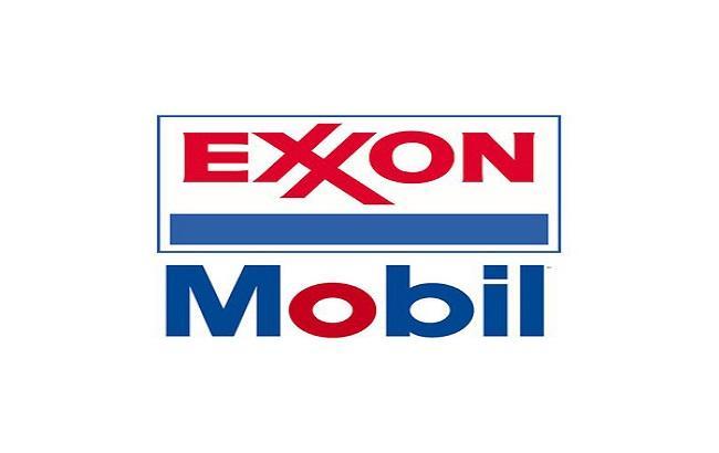 Прибыль Exxon Mobil рухнула почти на 60%