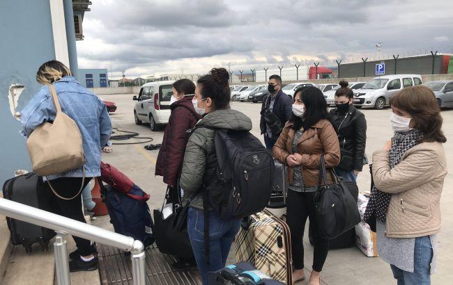 З Туреччини по морю відправили додому 38 українців