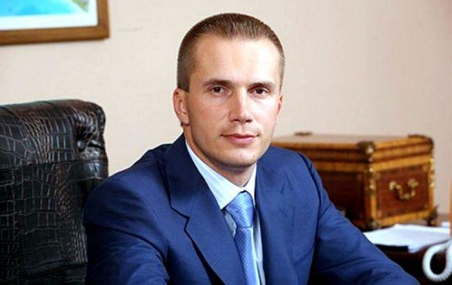 Фонд гарантирования вкладов готовит к продаже банк сына Януковича