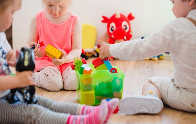 Ученые назвали опасную игрушку для девочек: несет сильный вред
