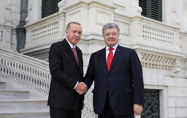 Порошенко заявив про взаємовигідну співпрацю України і Туреччини в оборонній сфері