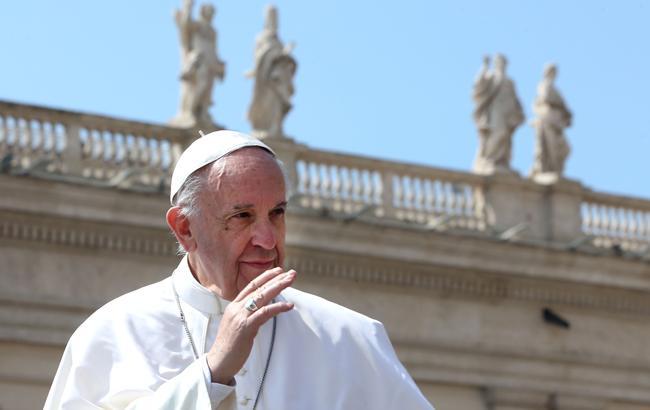 Пострадали тысячи детей: Папа Римский выступил с заявлением по поводу священников-педофилов