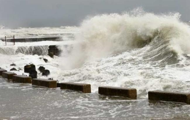 Керченська переправа так само закрита через сильний вітер