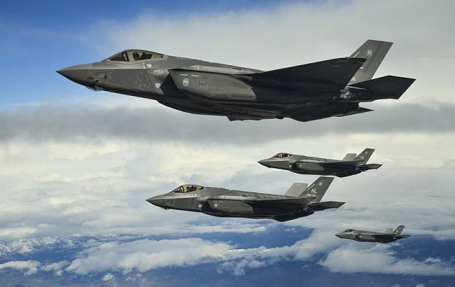 У США розбився перший новітній винищувач F-35B, - CNN