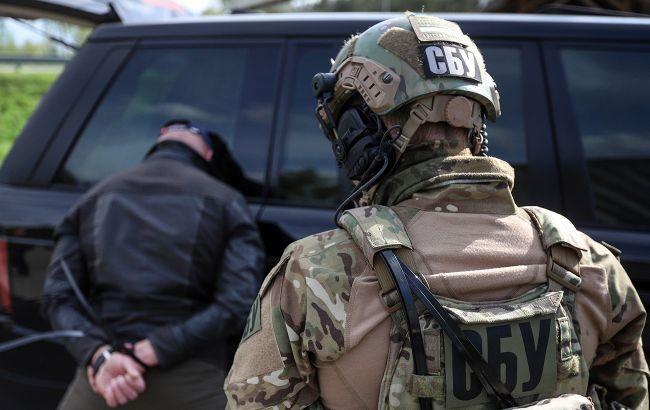 В Кіровоградській області депутатів підозрюють у вимаганні. У них виявили арсенал зброї