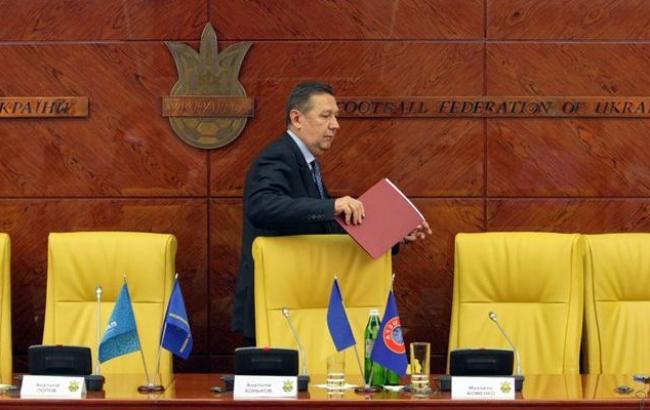 Исполком ФФУ принял отставку президента Анатолия Конькова