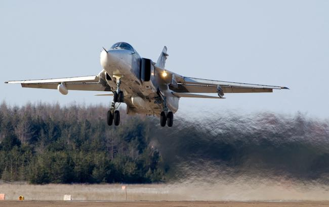 Фото: літак Су-24