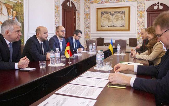 Україна і Німеччина обговорили ситуацію в Азовському морі